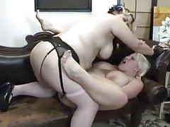BBW Lesbians StrapOn Fuck