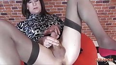 Milf dom fucks wanking trannys tight ass with big strapon