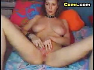 Horny Teen Girl Masturbates Wet Cunt