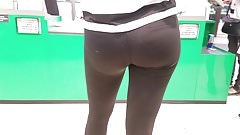 Attractive ass in supermarket