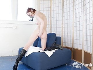 Slim Yanks Pepper Hart Finger Fucks In Sexy Boots