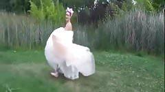 Crazy and submissive bride, Su