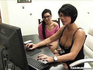 Porn star fever - Porn star mom gets not her daughter into porn