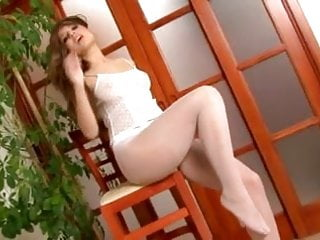 Peaches Rips Open Her Pantyhose And Vibrates Her Pussy