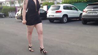 petite robe noire et talon