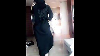 Sexy hijab abaya ass walk from khalij UAE