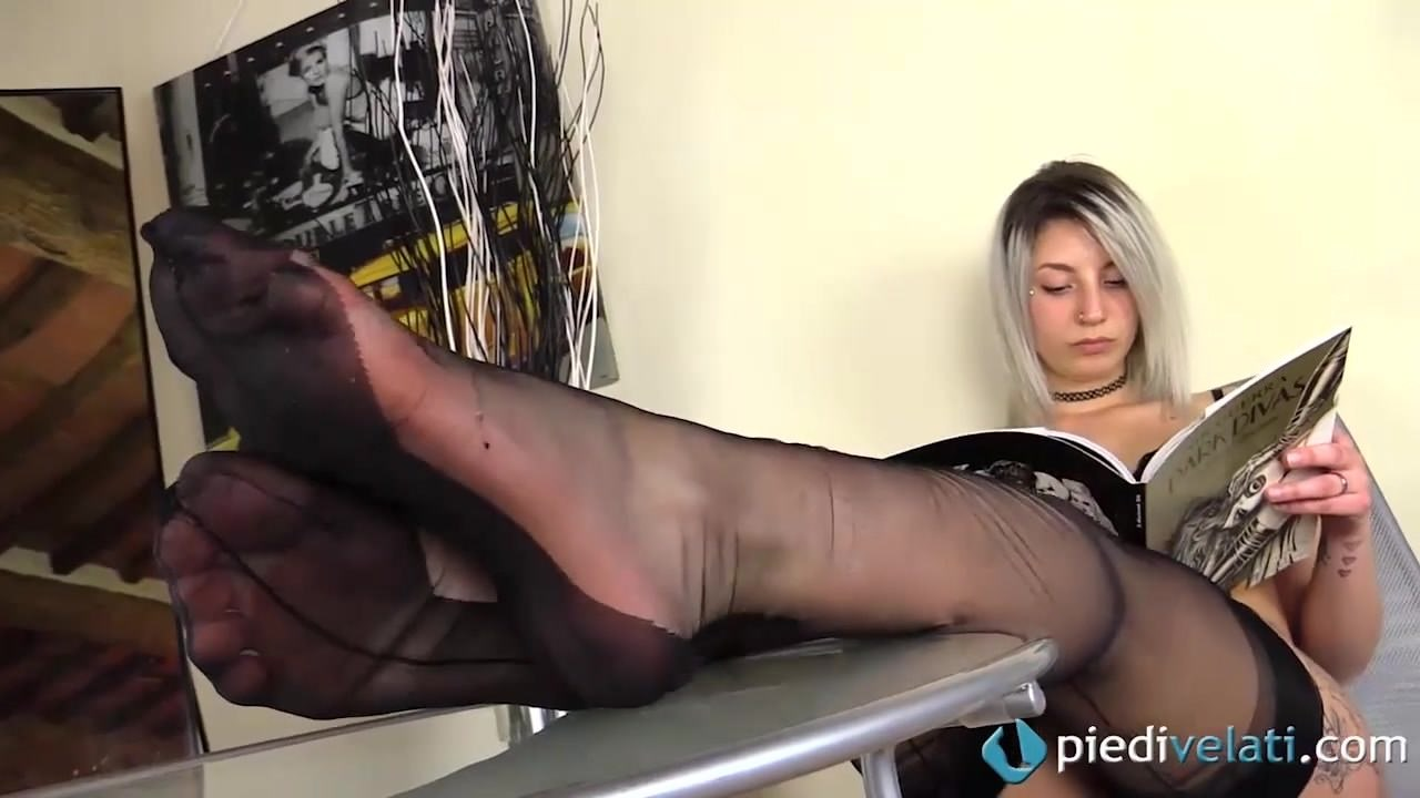Masseuse Gives Handjob Video