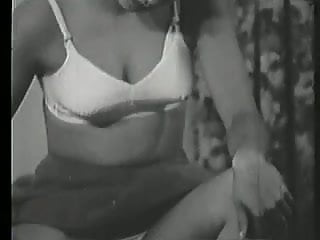 Vintage pin up girls hair - Amateur burnette pin-up girl