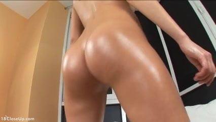 Teen Oiling and Massaging her Good Butt