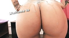 BIG-ASS Latina Gym Big Tits Cameltoe Micro G-String Hot!