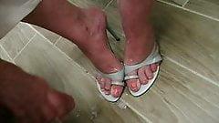 Cum on my sexy heels