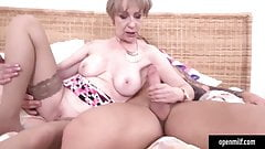 Old milf fucking with his mechanic guy