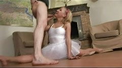 Flexible babe does hard oral and gets pussy fucked