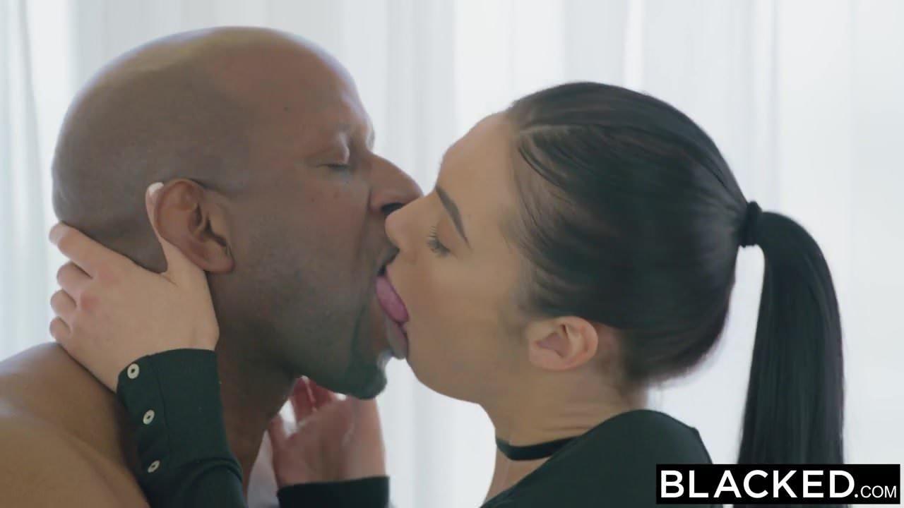 Milf cheating wife diamond foxxx gets an anal fucking abuse