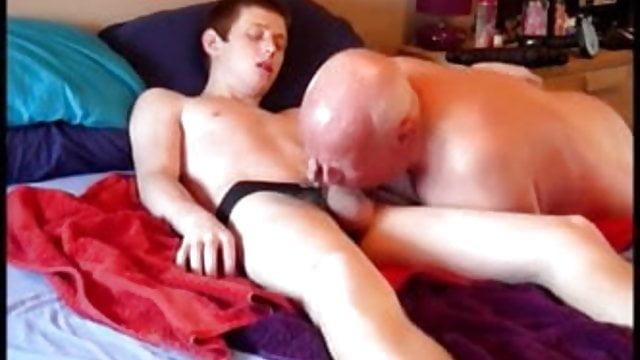 Amateur mom catch son masturbate porn