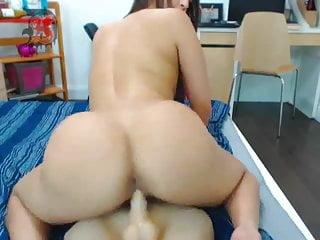 Webcam Girl Ride Dildo And Hafe Fun