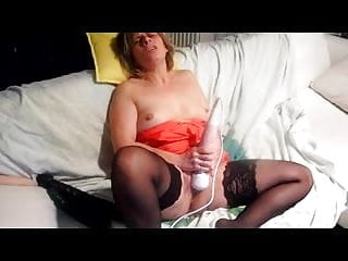 Saint Malo Whore Lisa Using Toy And Cumming On Webcam