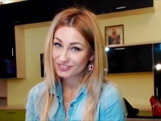 Pretty Hot Blonde Cam Babe Masturbate Solo on Cam