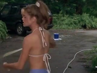 Denise Richards and Neve Campbell - Wild Things (1998)