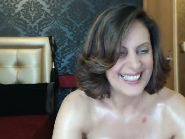 Hot mom at web show 9