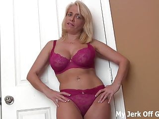 Look ay my jiggling DDs while you jerk off JOI