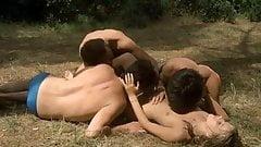 Suor Emanuelle 1977 (Threesome erotic scene) MFM