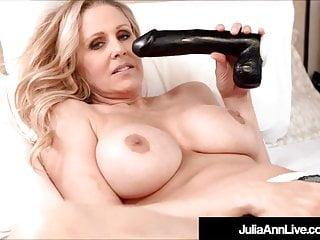 Incredibly Hot Milf Julia Ann Pussy Fucks Black Dildo!