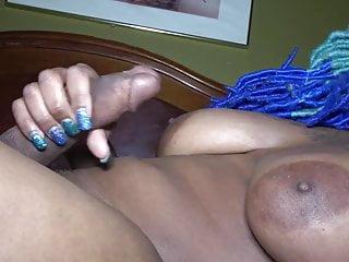 black shemale cumshort