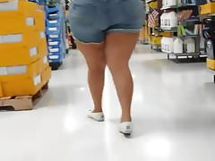 Candid big bottom Mexican milf school shopping.