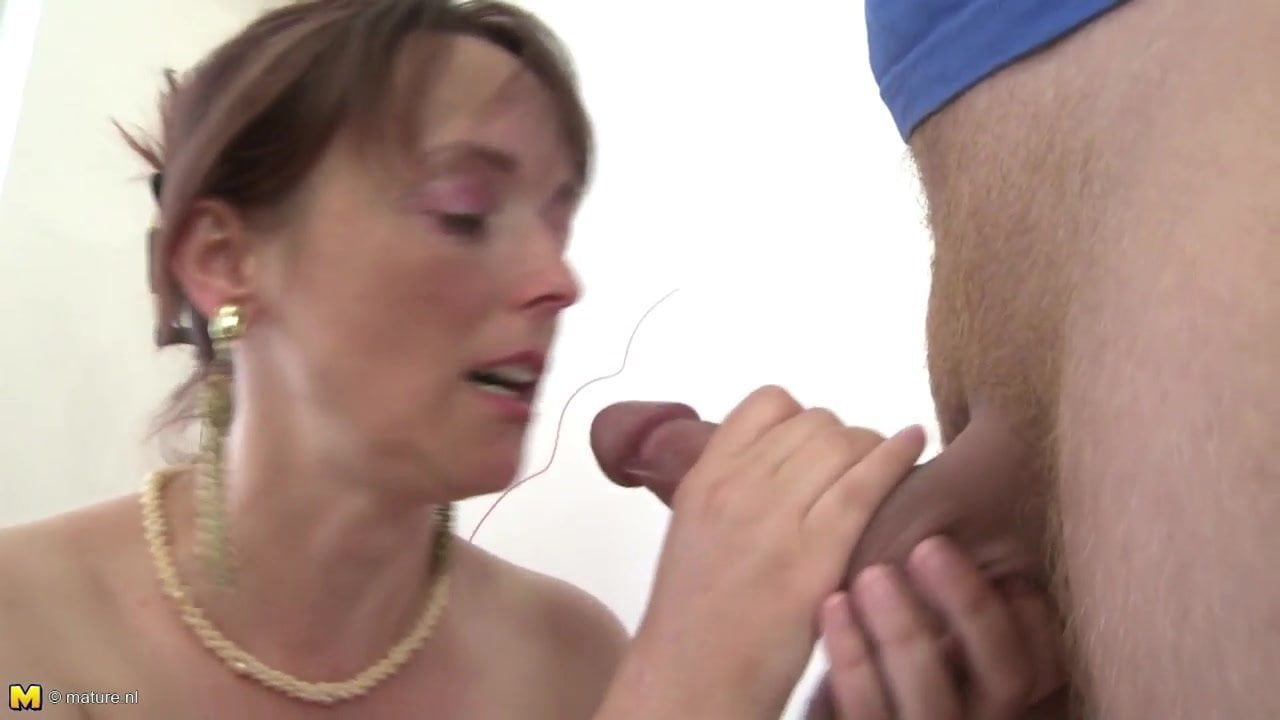 Real Mom Fucks Her Young Sons Best Friend Free Hd Porn Da-3177