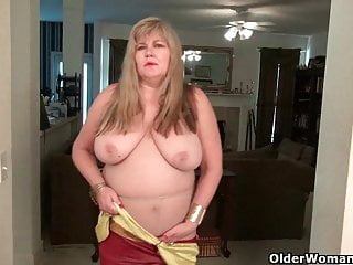 BBW milfs Love Goddess and Lisa need getting off