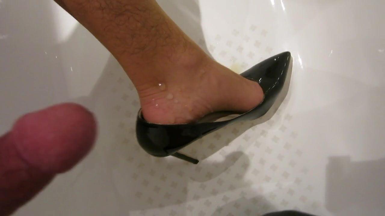 Cum Heels