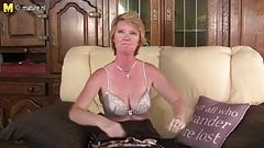 Naughty stay at home mom secretly shows her wet snatch