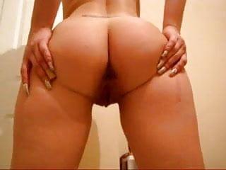 Phat ass girl shows her butt.