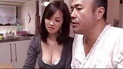 熟女巨乳無料 ショートヘア美女SEX 素人 無修正 投稿 av 人気 無料