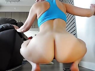 THE BIG TEEN ASS AND HUGE TITS SHOW