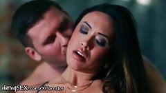Hanna Shaw Sensual Shower Fuck