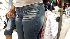 milf cameltoe in tight jeans