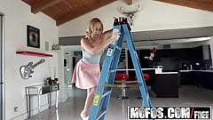 Mofos - Lets Try Anal - Hot Blonde Beats Fear of Anal starri
