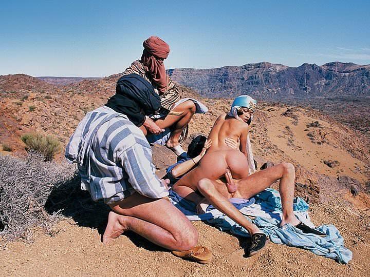 beduini-porno-video-massazh-rasslablyayushiy-na-chlen