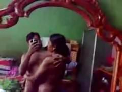 Bangladeshi girlfriend strips exposing her voluptuous body