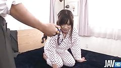 Submissie Aika Hoshino lead around on a leash for her