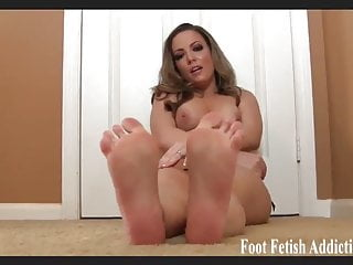 Open your mouth and suck on my pretty toes