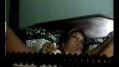 Quick masturbation of my mummy on bed