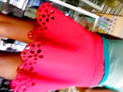 bajo falda chavita en lindo calzon