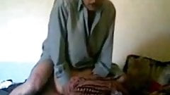 Pakistani mom fucked by pathan when she is alone's Thumb
