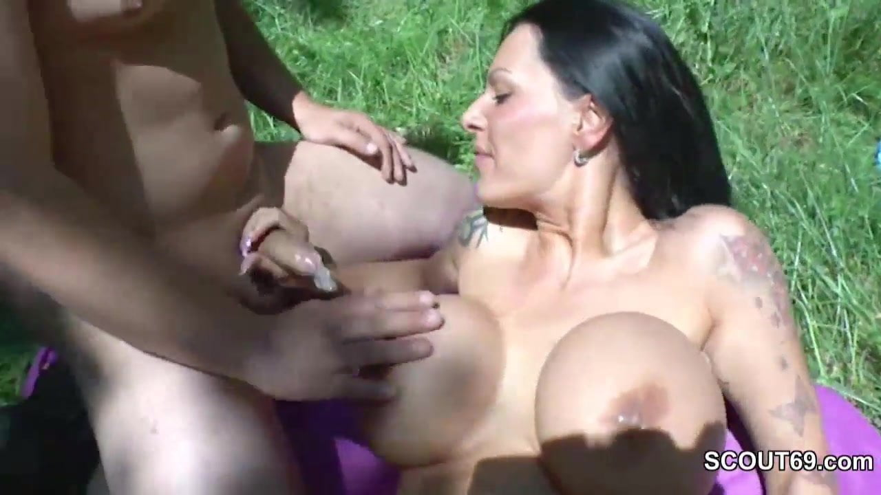 German monstet tit milfs in privat gangbang
