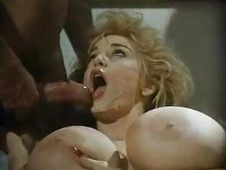 Le Avventure erotiX di Cappuccetto Rosso (CHESSIE MOORE)