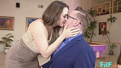 Hot Online Hookup With MILF Chanel Preston