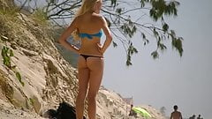 Amazing young blonde in thong bikini !